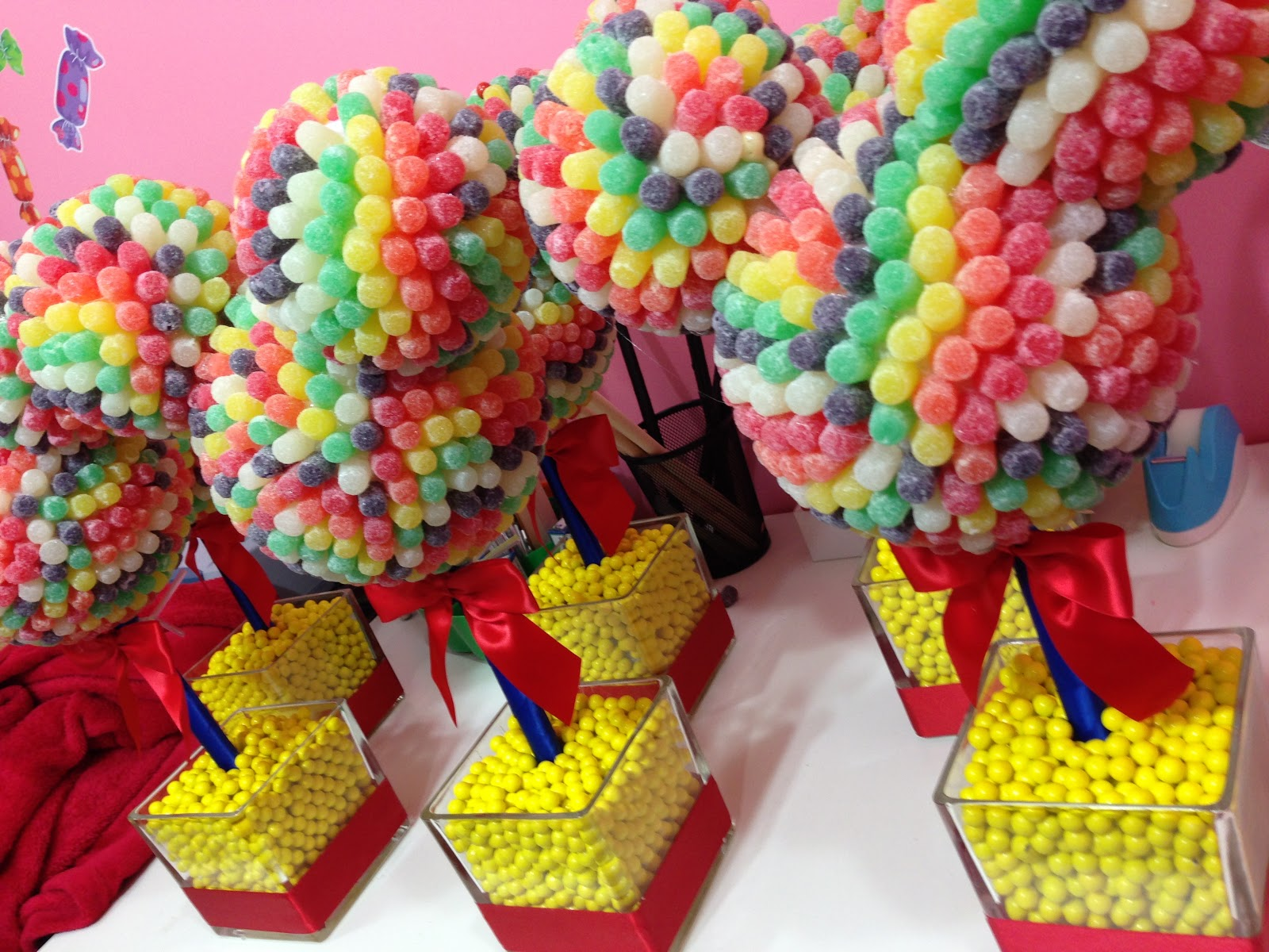 chic modern candy centerpieces candy sweet decor rock candy rh hollywoodcandygirls com