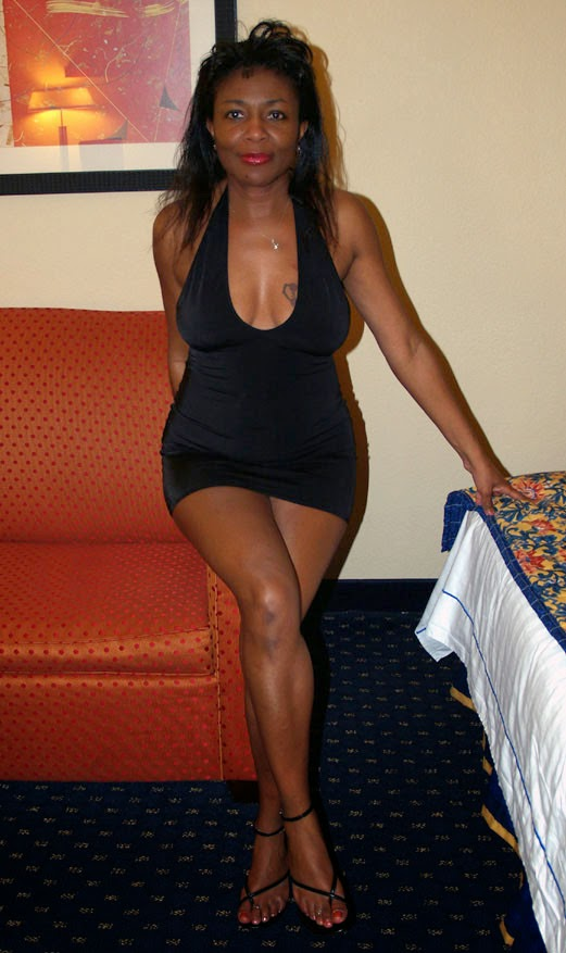 Ebony mature amature