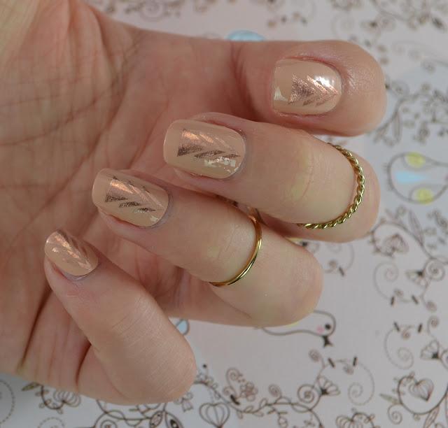 Miss Sophie's nail wraps Bohemian Girl Tragefoto
