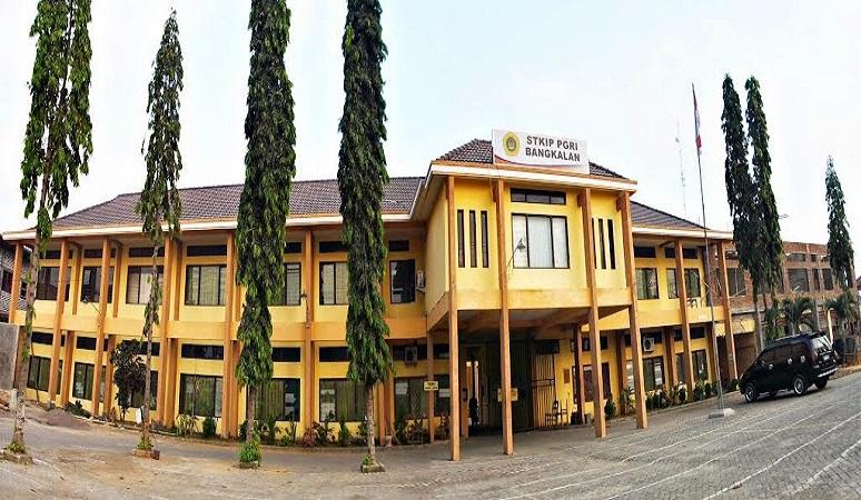 PENERIMAAN MAHASISWA BARU (STKIP PGRI BANGKALAN) 2018-2019 SEKOLAH TINGGI KEGURUAN ILMU PENDIDIKAN PGRI BANGKALAN