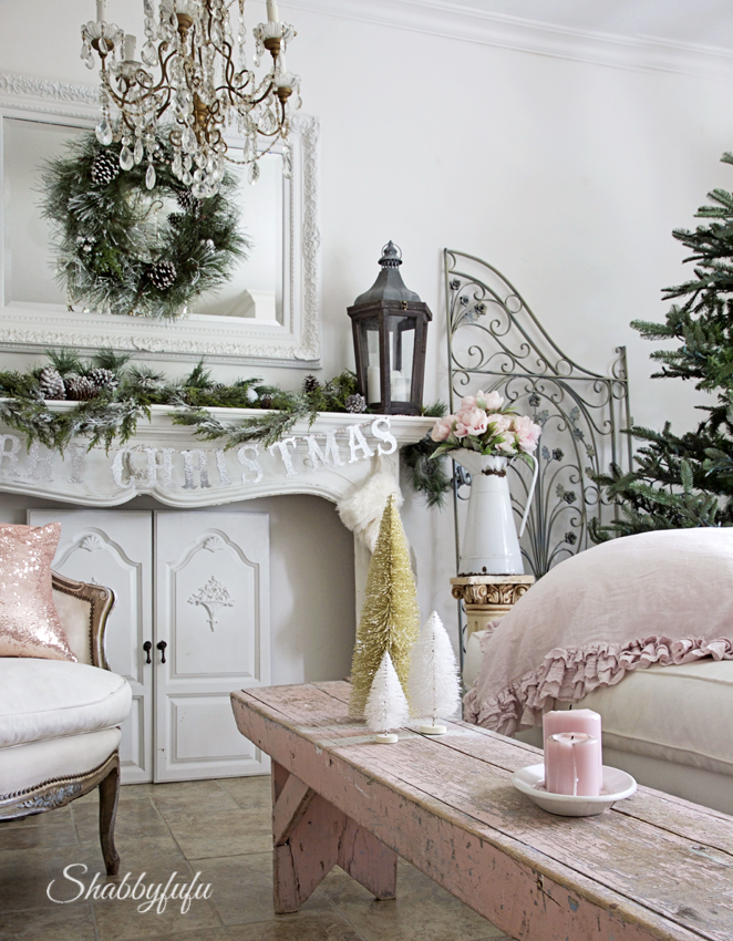 pink-decorated-christmas-room-pink-bench
