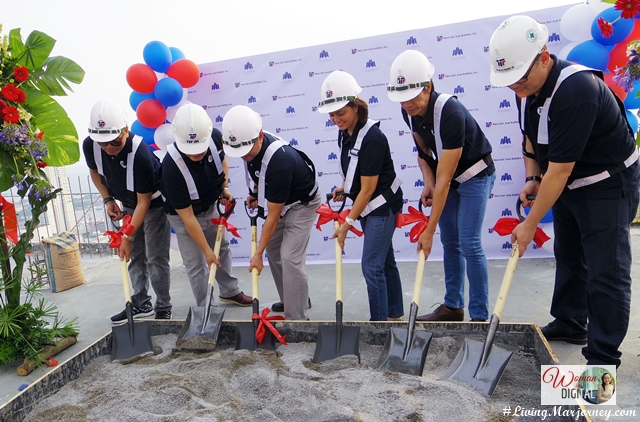 Victoria de Manila 2 Topping-Off Ceremony