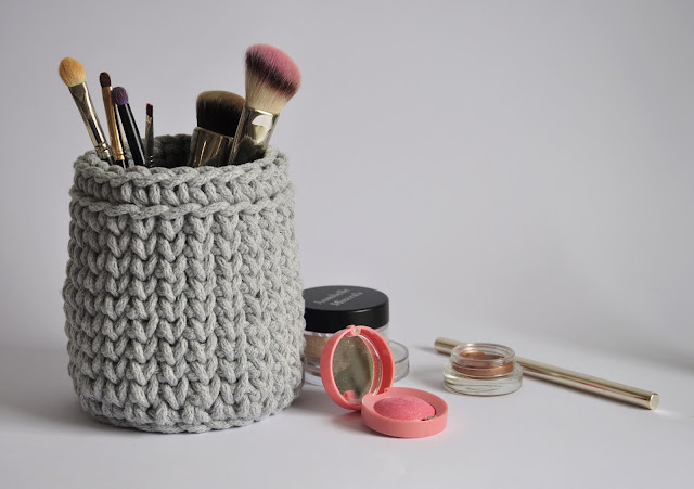 https://www.etsy.com/listing/270758258/grey-storage-basket-crochet-cup-bathroom?ref=shop_home_active_15