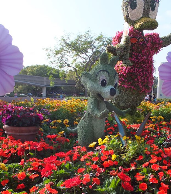 EPCOT Topiary chipmunk