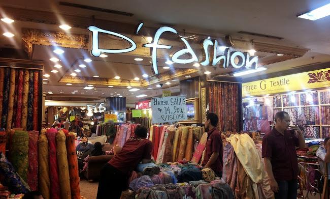 Suasana Pasar Baru Trade Center Pusat Textile Pasar Baru bb590974c9