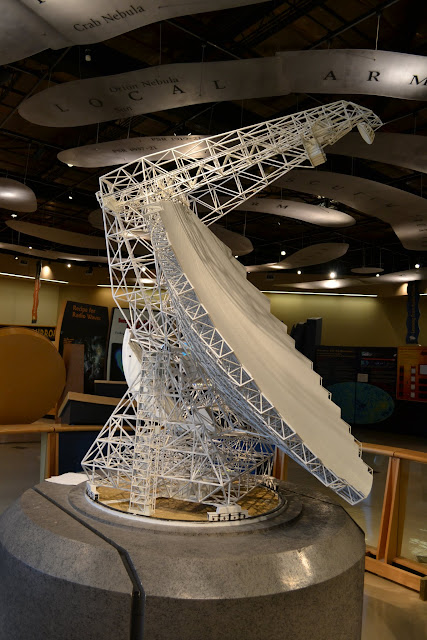 Найбільший в світі рухомий радіотелескоп Грін-бенк, Грін-Бенк, Західна Вірджинія (Green Bank Telescope,Green Bank, West Virginia)