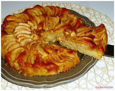 image Recette de grand-mère : gâteau aux pommes, caramel et rhum