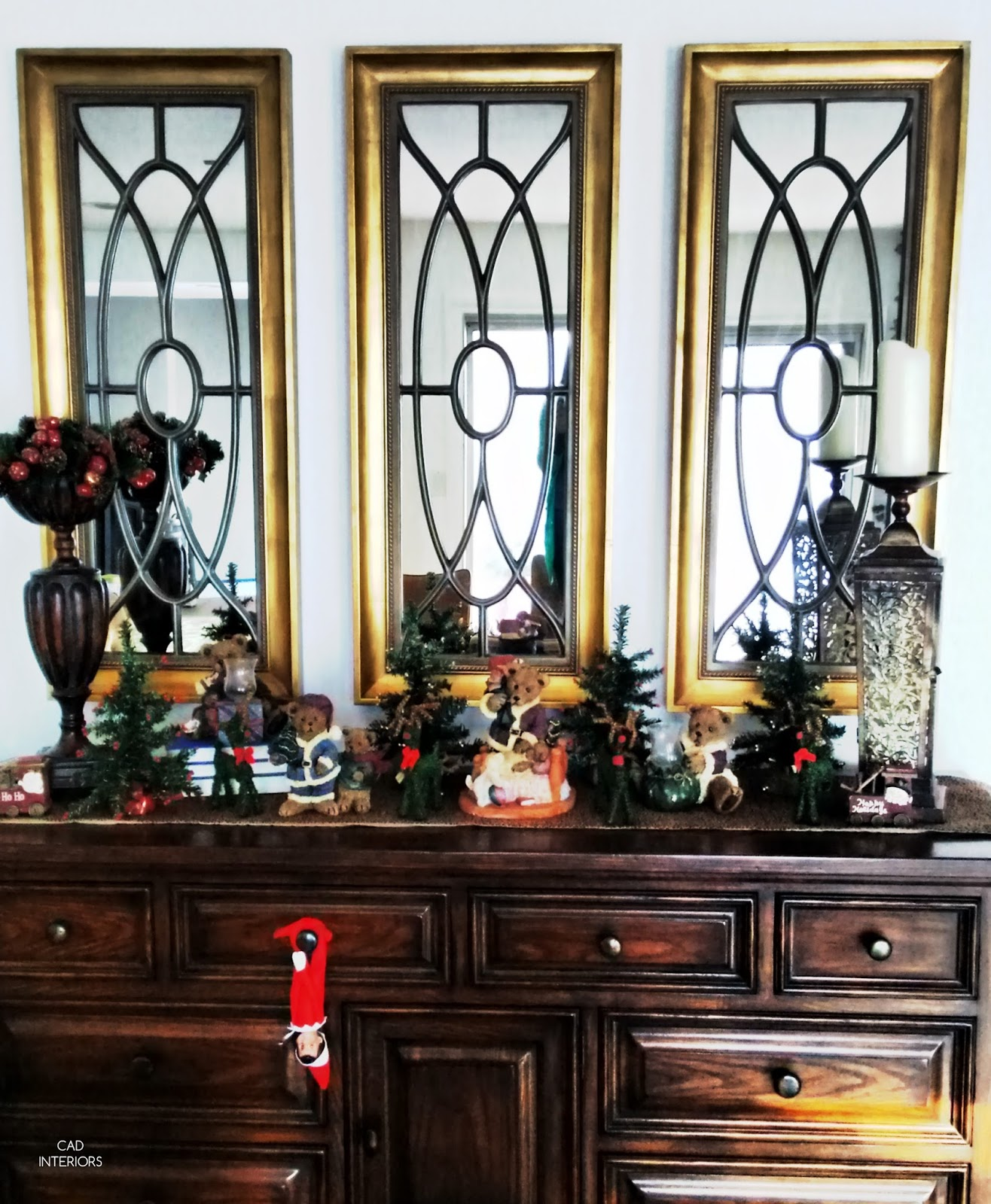 Christmas holiday decorating traditional classic interior decorating trees bears reindeer