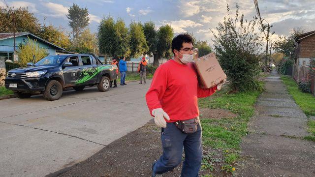 Purranque: Municipalidad distribuye más de 6 mil kits de limpieza