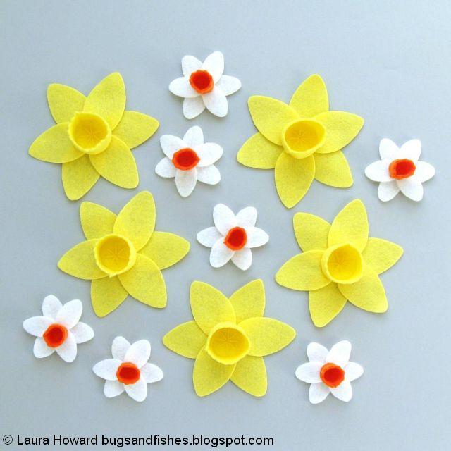 A Year of Wreaths: March Felt Daffodils Wreath