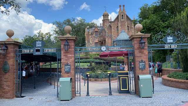 Disney Magic Kingdom Reopening Preview, Haunted Mansion, New Safety Precaution and Social-distancing Practice