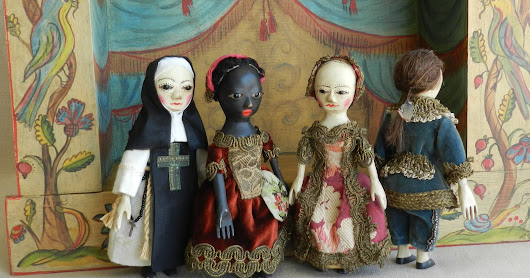Queen Anne dolls theater set