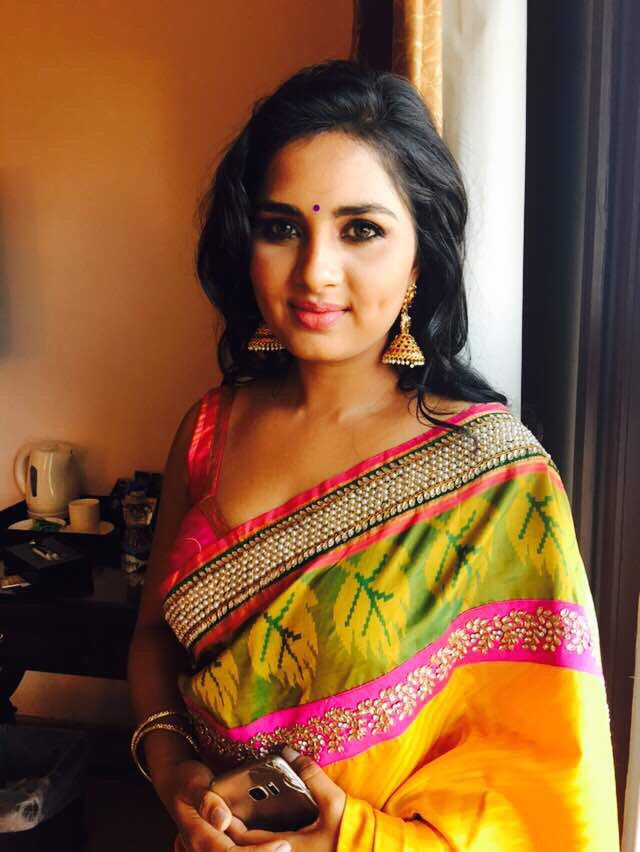 Actress Srushti Dange Stills In Yellow Silk Saree Latest Indian Hollywood Movies Updates Branding Online And Actress Gallery