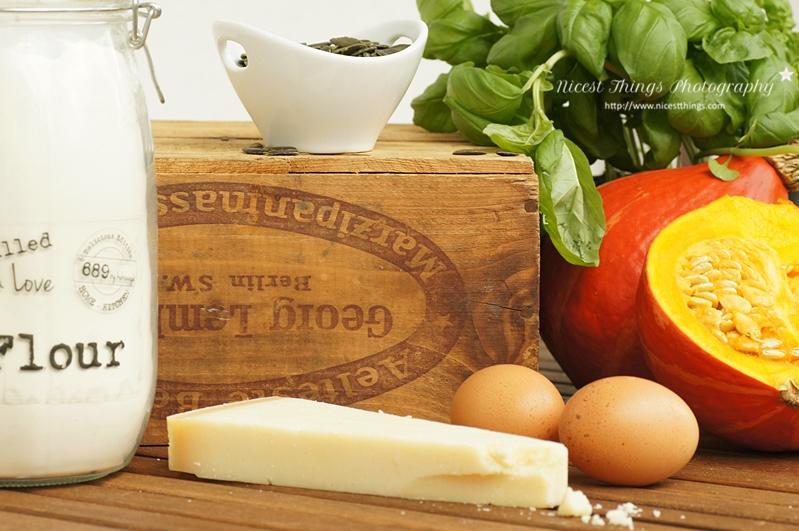 Zutaten für Kürbis Gnocchi Parmesan Mehl Eier Hokkaido