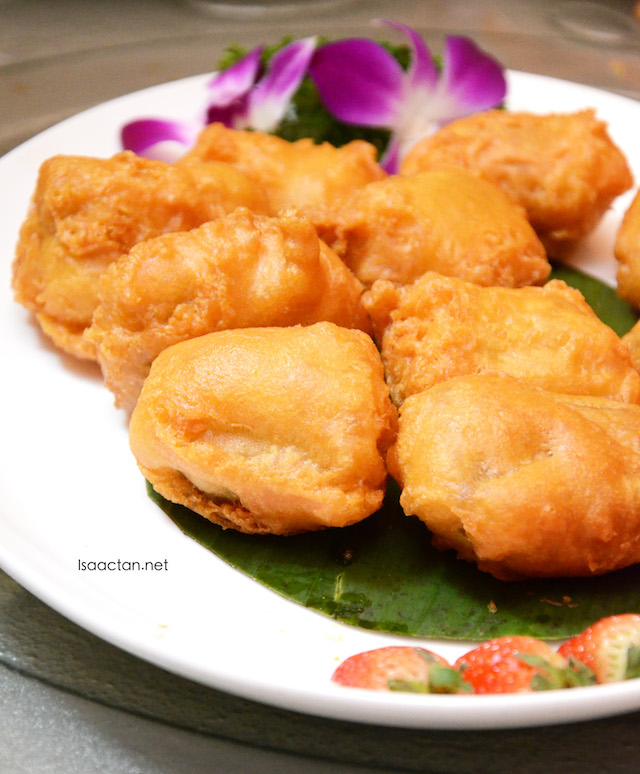 Deep Fried `Nian Gao' with Banana Cream
