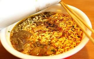 dampak mie instan bagi kesehatan,mie instan,dampak mie instan,akibat makan mie instan,mie instan pakai nasi,bahaya mie,bahaya mie instan,bahaya mie instan bagi tubuh,