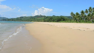 Playa Nacpan en las Filipinas