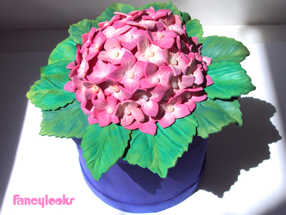 caja regalo con hortensia de goma eva todo un regalo por sí misma