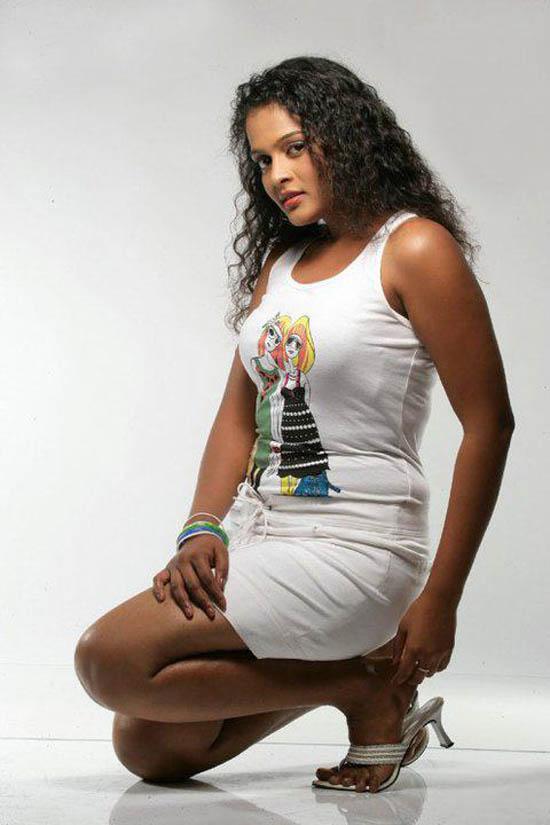 SRI LANKAN TASTE Fashion Magazine: Chalani Weerarathne