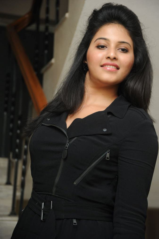 Anjali Hot Photo Gallery-In Modern Dress No more tradition Inside