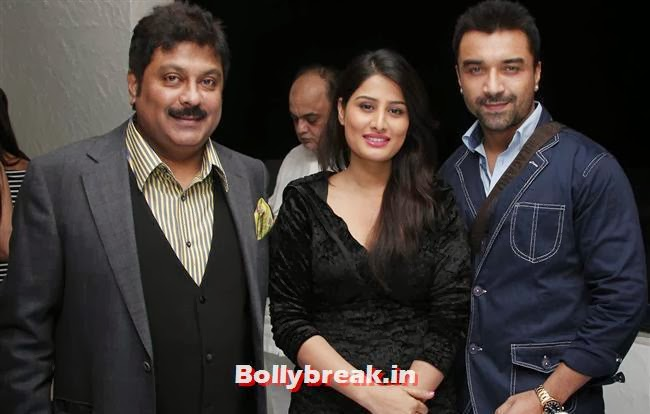 Kapil Mehra with Arjumman Mughal and  Ajaz Khan, Page 3 Babes at Kapil Mehra Birthday Party