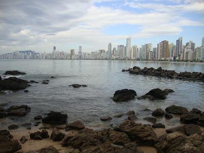 Vista desde a passarela da Praia do Canto - Balneário Camboriú - SC