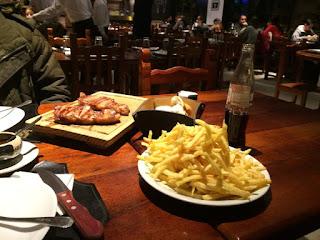 Bife de chorizo com batatas fritas - restaurante El Boliche de Alberto em Bariloche