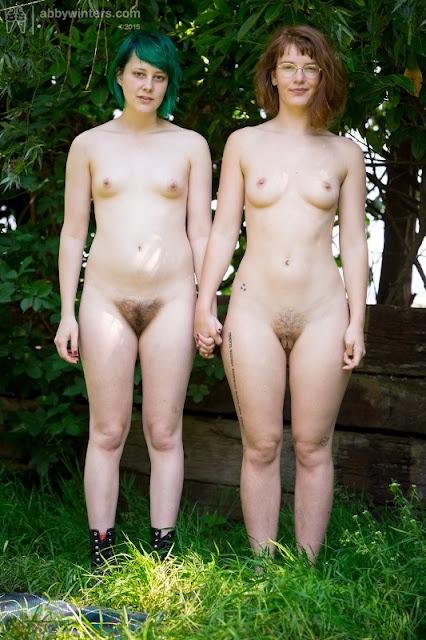 http://awinters.xxx/abby/girl-girl/Bobbie-Yara/indexb.html