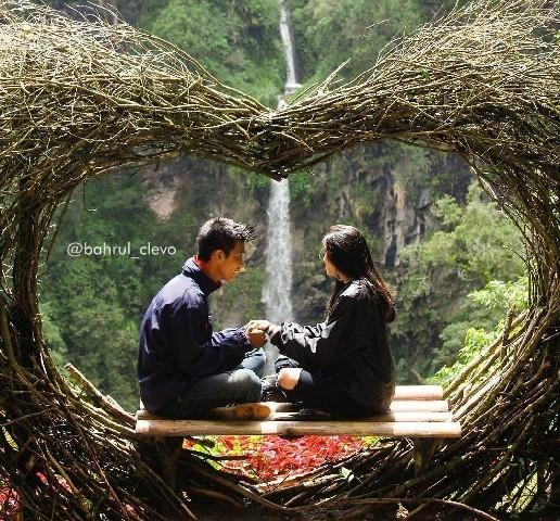 Coban Kembar Watu Ondo Spot Instagramable Paling Romantis