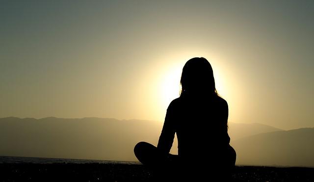 Meditasi_memaafkan masa lalu_melupakan masa lalu