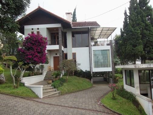 Hasil gambar untuk villa gerbera istana bunga