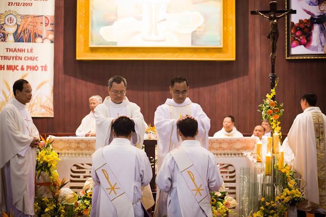 Lễ truyền chức Phó tế và Linh mục tại Giáo phận Lạng Sơn Cao Bằng 27.12.2017 - Ảnh minh hoạ 22