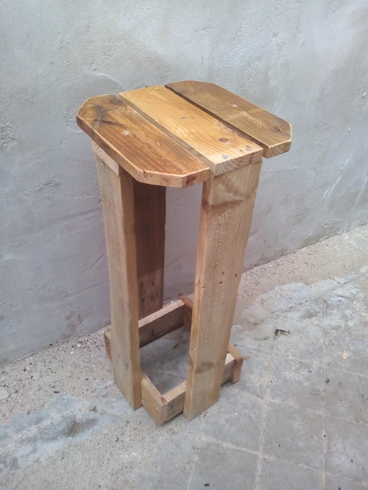 Supermanitas como hacer taburete con madera de pal s for Taburetes de madera