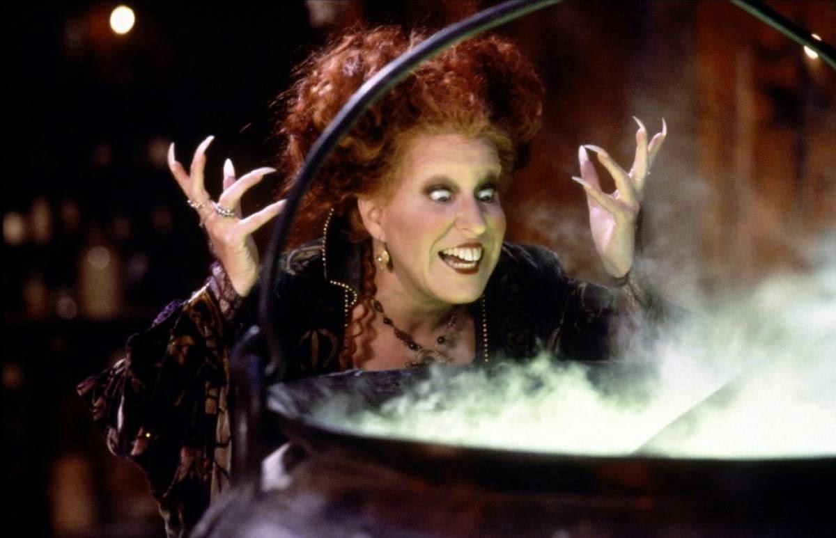 el retorno de las brujas, winnifred sanderson frente a un caldero con poción abracadabra que son las origen