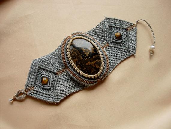 Παρακάτω σας δίνω μία γευση από τα εκπληκτικά κοσμήματα που έχουμε την  δυνατότητα να κατασκευάσουμε με το μακραμέ! ef20b01523c