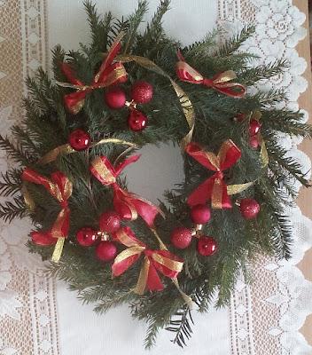 Jak zrobić wianek świąteczny z papierowej wikliny? DIY