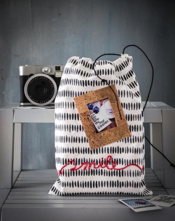 Anleitung für einen tollen DIY Beutel – Aus einem Geschirrhandtuch eine kleine Tasche nähen mit eingebautem Bilderrahmen und Schriftzug by http://titatoni.blogspot.de/