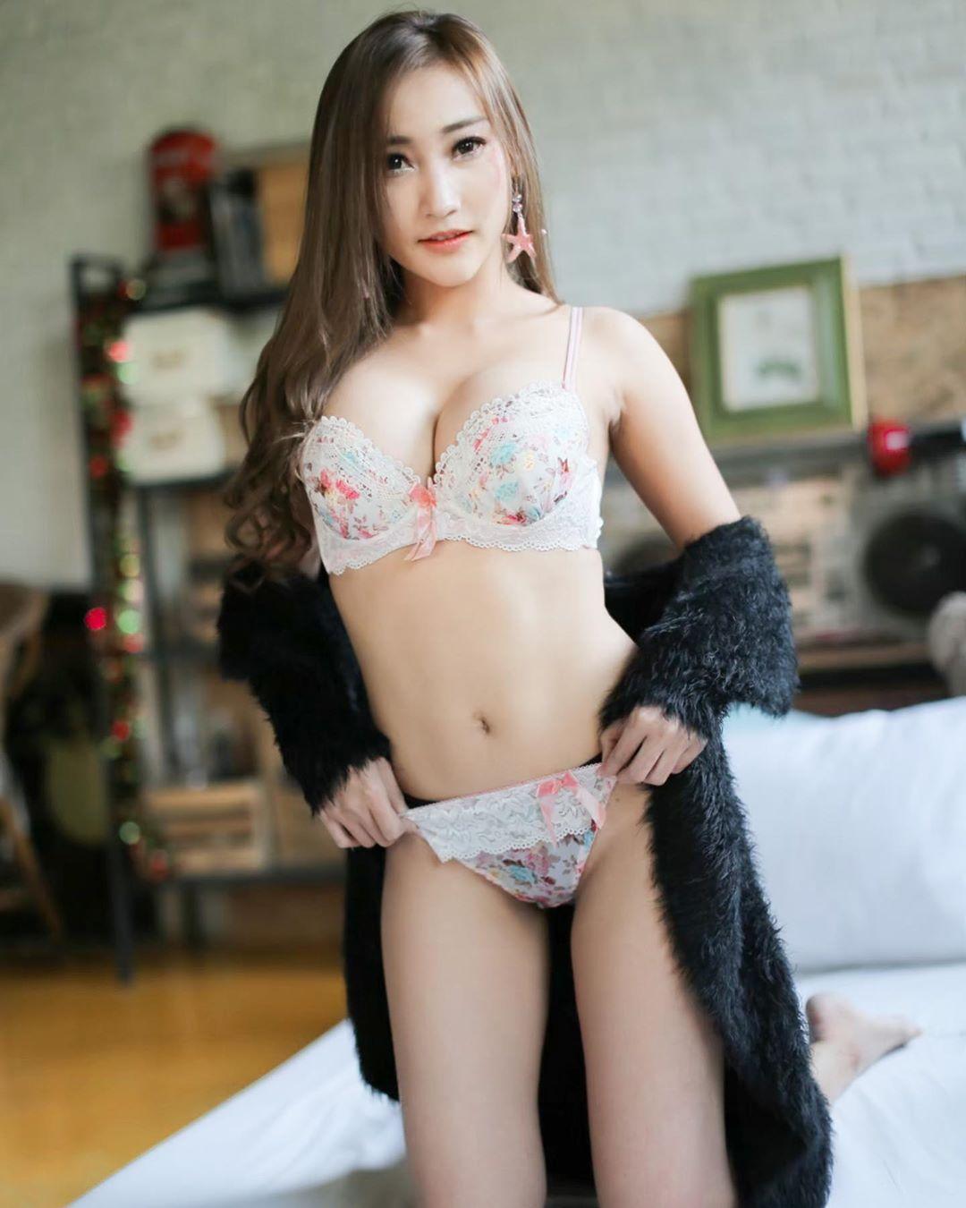 Thailand Beautyful Girl Pic No.249 || Ttidaporn Sangiamfak