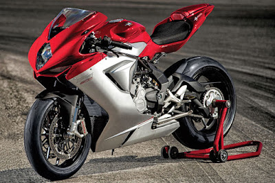 MV Agusta F3 800 Red & silver colour