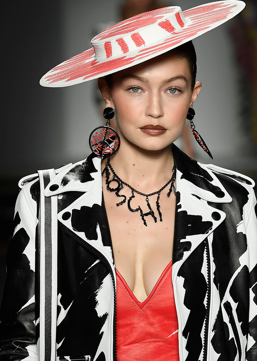 MOSCHINO SPRING 2019 READY-TO-WEAR
