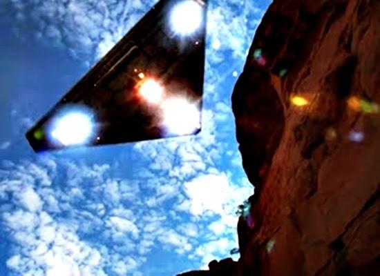 A secreta nave espacial do governo a TR-3B capaz de viagem interestelar