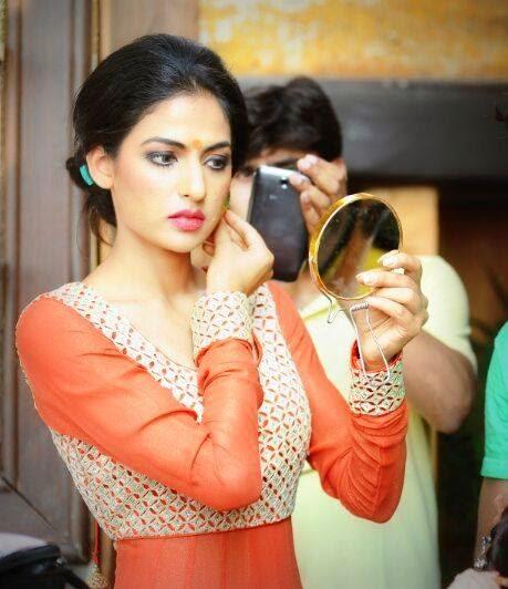 , Punjabi bride Red Suit Pics - Jasleen Slaich