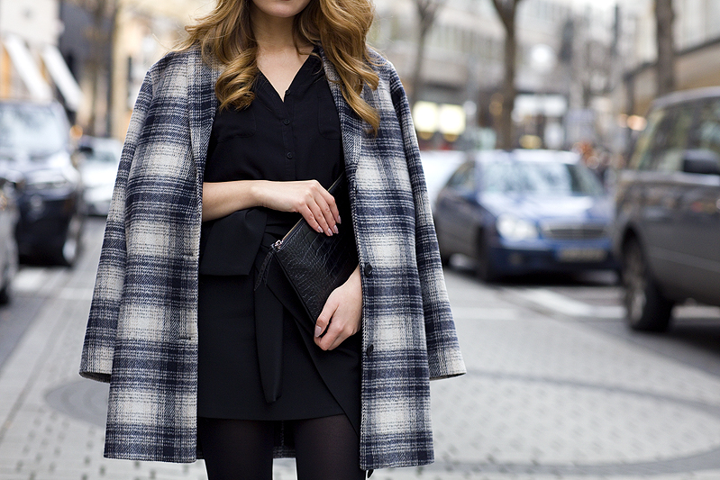 Fashionista Check Plaid Coat Karo Kariert Mantel Wrap Skirt Rock Clutch Ootd Streetstyle