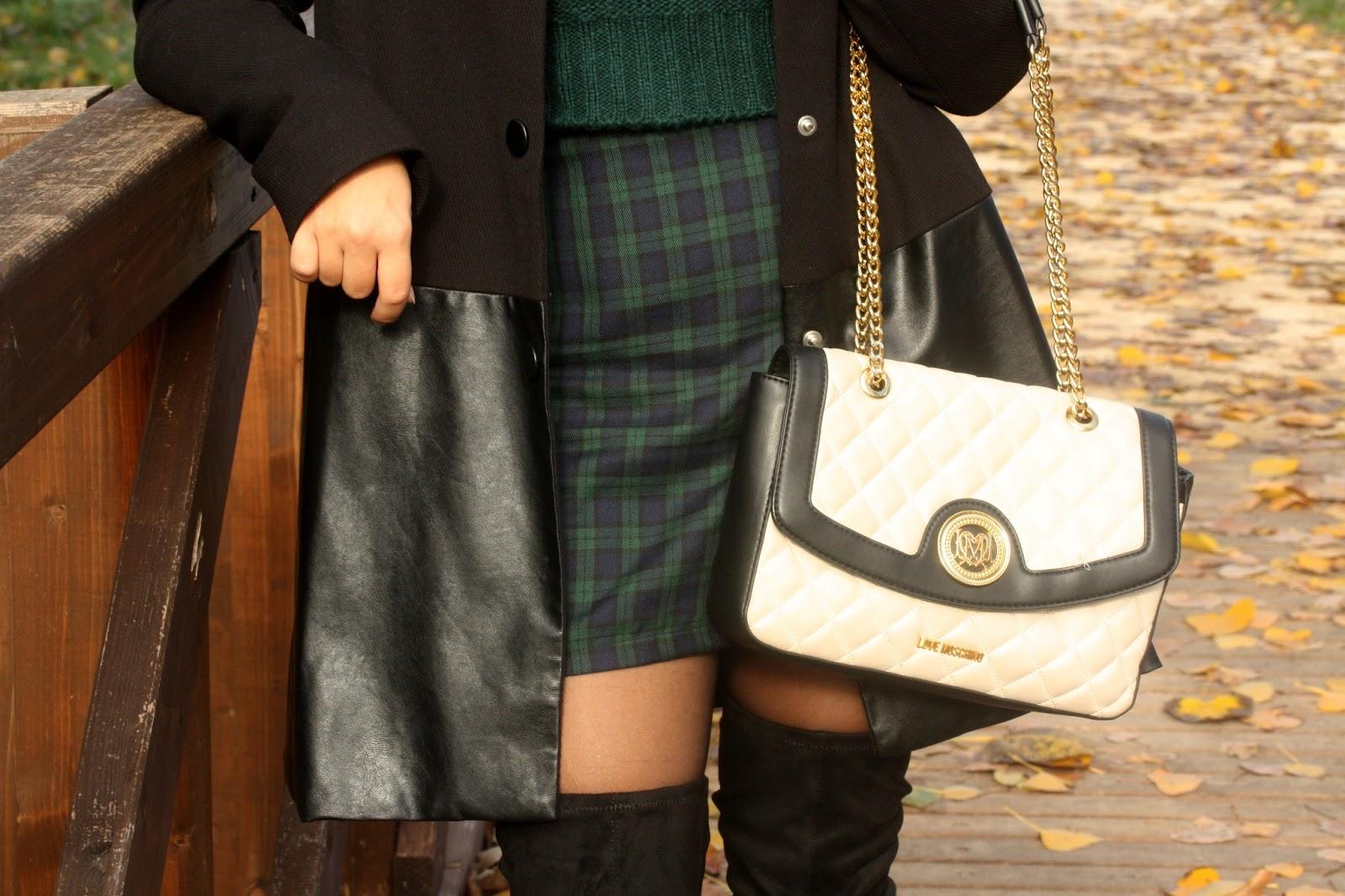 Piccoli Stivali E Sopra Lei outfit in verde dal motivo scozzese e.. stivali sopra il