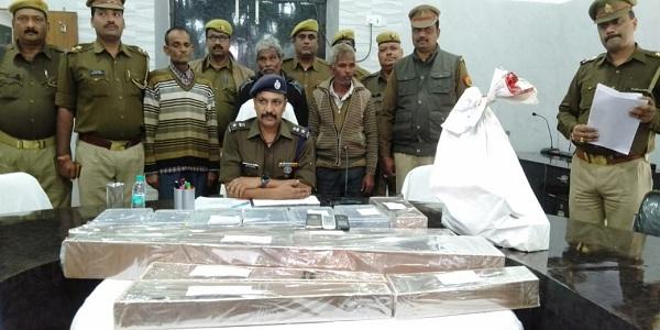 Kasimpur-police-ne-pakdi-avaidh-shastr-factory