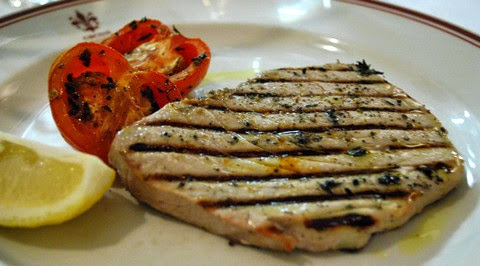 Grilled Tuna Fillet with Balsamic Sauce and Pepper
