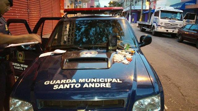 SANTO ANDRÉ - ROMU detém traficante na favela da Pedro Américo