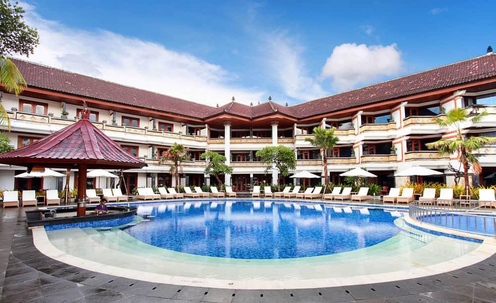 Swimming Pool Grand Inna Kuta Hotel di Pulau Dewata Bali