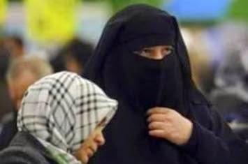 http://3.bp.blogspot.com/-gsLX4e16Ow0/VUsqLFM7K1I/AAAAAAAABwY/Mvci1CVy7v8/s1600/muslimah-berniqab.jpg
