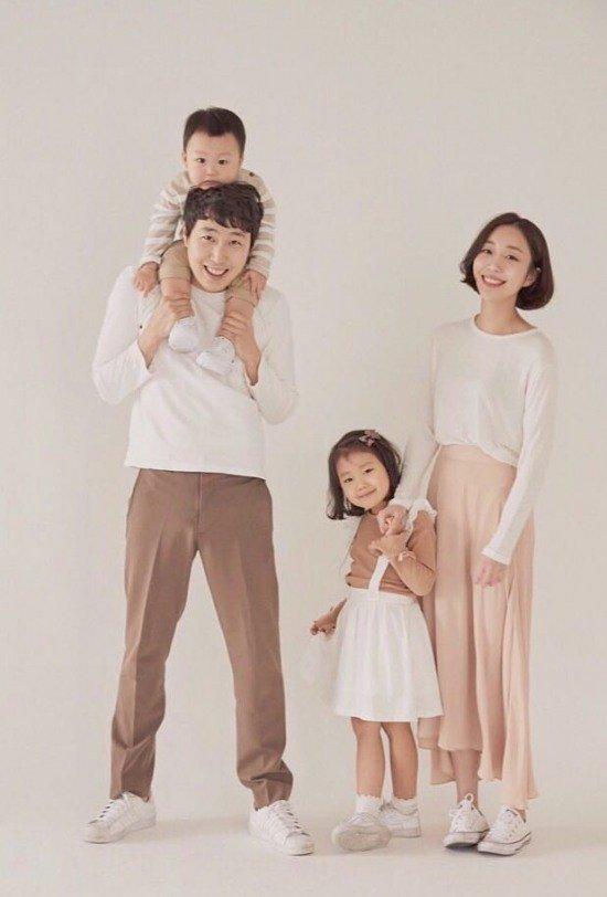 صور جونغ بوم جون ♥ سونغ سونغ آه مع جوا وهادا … سعيدة للغاية